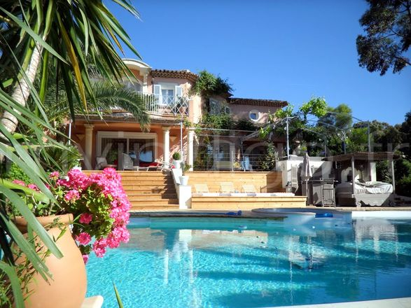 Plus de détail de la villa : Villa PATCH a St Tropez