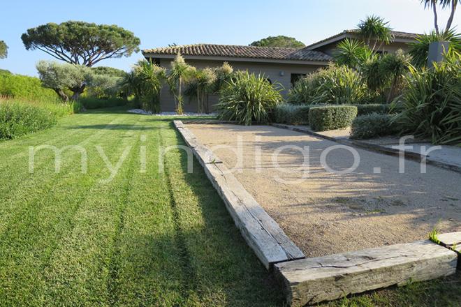 Villa magnifika 6 saint tropez photoshoot for Quel gravier pour terrain de petanque