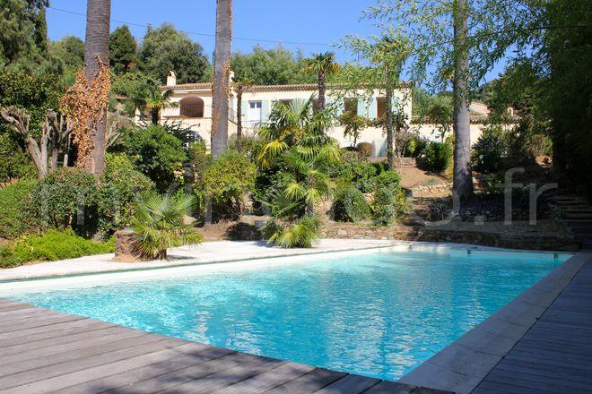 Villa bastide des palmiers 3 st tropez photoshoot for Piscine saint tropez
